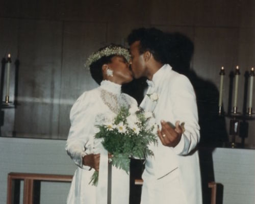 Willie-Dee-Wedding-Kiss